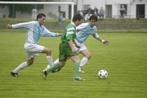 Fotbalisté Polabanu Nymburk porazili na svém hřišti v okresním derby Semice.