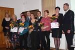 Kraj ocenil pět knihovnic titulem Středočeský Kramerius. Libuše Břeňová z Kostomlat na snímku úplně vlevo.
