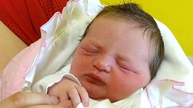 VERONIKA KAFKOVÁ se narodila 16. dubna 2018 v 6.24 hodin s délkou 49 cm a váhou 3 530 g. Na holčičku se dopředu těšili rodiče Monika a Josef a tříletý bráška Davídek z Činěvsi.