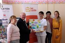 Projekt pomůže dětem, které jejich biologické matky opustily.