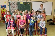 Žáci 1. C ze ZŠ Sadská. Třídní učitelka Vlasta Fitzová.