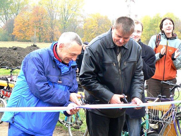 V Dobšicích otevřeli cyklistické odpočívadlo