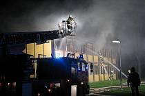 Požár zlikvidoval ubytovnu v Poděbradech
