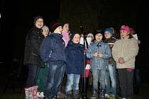 Vánoční zpívání u kapličky v Kamenném Zboží