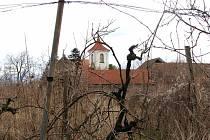 V Sadské se v sobotu kolem poledne našlo tělo mrtvého faráře