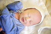 MATYÁŠ BAUER se narodil 2. prosince 2018 v 16.33 hodin s délkou 48 cm a váhou 3190g. Rodiče Irena a Jan z Čelákovic se na prvorozeného chlapečka předem těšili.