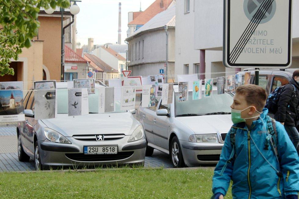 Výstava představuje práce dětí, které vznikly v karanténě.