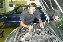 Automechanici jsou stále v kurzu, jiné obory nikoliv.