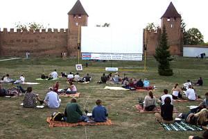 Letní kina už startují.