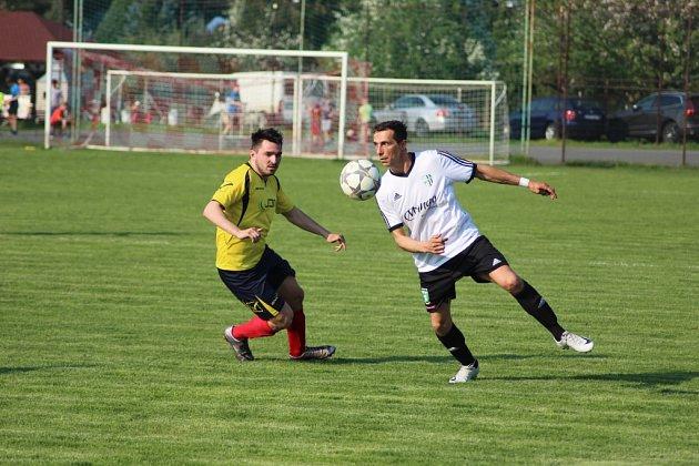 Z fotbalového utkání I.B třídy Pátek - Milovice (2:5)