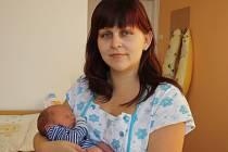 JAKUB JE NOVÝ BRÁŠKA AMÁLKY. Jakub Červinka se narodil 28. listopadu 2013 v 8.20 hodin mamince Pavlíně a tátovi Františkovi. Vážil 3 280 g a měřil 50 cm. Doma je s rodiči a dvouapůlletou Amálkou ve Dvorech.