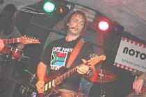 Frontman kapely Crossband Jarda Kříž