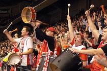 Nymburské hráče hnala dopředu vyprodaná ČEZ Aréna.
