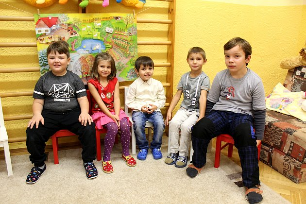 Základní škola speciální Městec Králové, 1.třída + přípravný stupeň, třídní učitelky Eva Mužíková a Olga Chrastecká