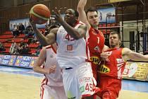 Basketbalisté Nymburka se v semifinále postaví Pardubicím