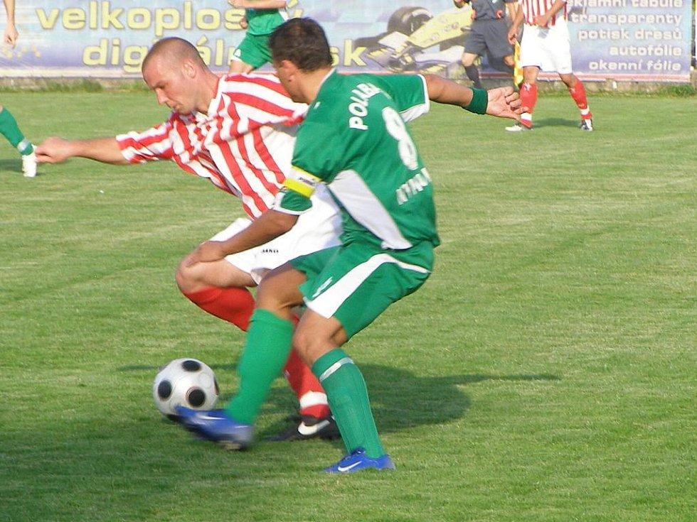 Z fotbalového utkání krajského přeboru Polaban Nymburk - Sokol Zápy (0:0)