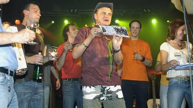 Vilda Čok křtil cédéčko skupiny Crossband.