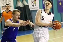 Z basketbalových zápasů nymburské Akademie