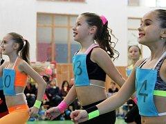 NEZTRATILY SE. Závodnice Mandousová, Hrabáková a Hovorková potěšily svoji trenérku výborným výkonem