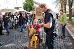Za krásného sobotního počasí se na náměstí Bedřicha Hrozného v Lysé nad Labem konal další ročník dobročinného Řemeslného jarmarku.