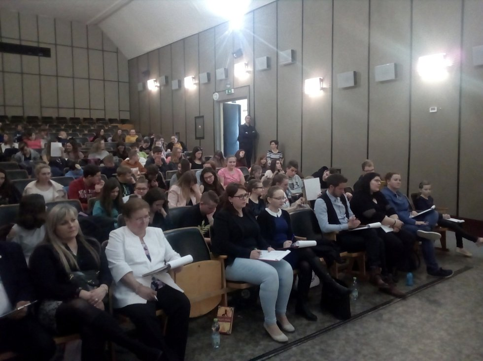 Na Čtení pod lampou se představilo 70 školáků.