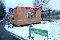 Stavba nového občerstvení U Lupiče v současnosti.