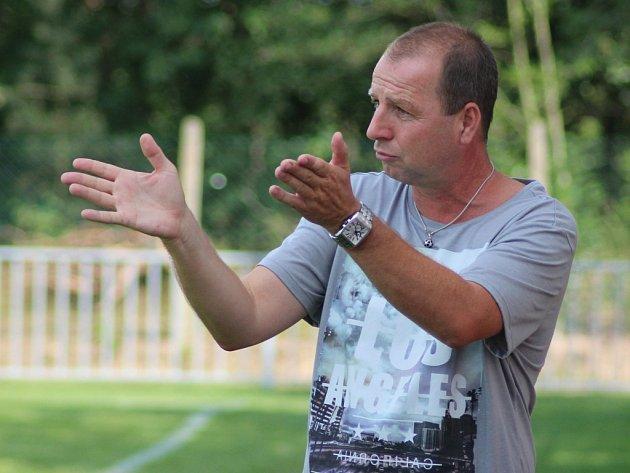 NOVÉ POKYNY musí vstřebávat fotbalisté Ostré pod vedením nového kouče Jiřího Kafky
