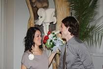 Novomanželé Kristýna a Tomáš Matějkovi na nymburské radnici si řekli 29. února své Ano