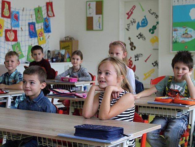 Prvňáčci ze Základní školy Juventa vMilovicích ve školním roce 2019/2020.