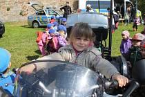 Policisté seznamovali děti v Poděbradech se svou prací.