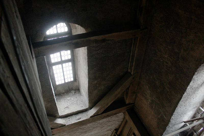 Ve věži kostela sv. Jiljí v Nymburce.