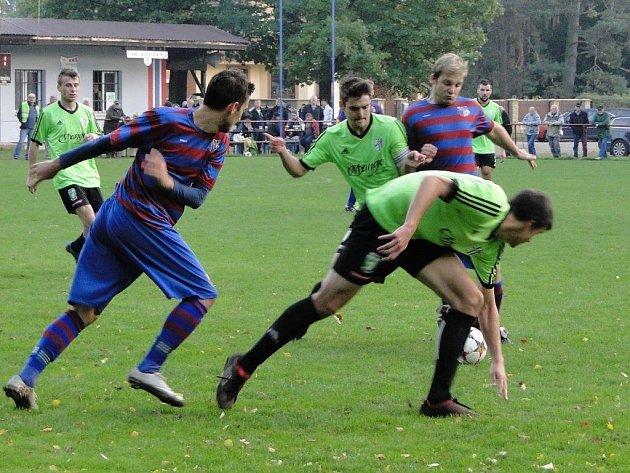 Z fotbalového utkání I.B třídy Loučeň - Milovice (2:2, pk 2:3)