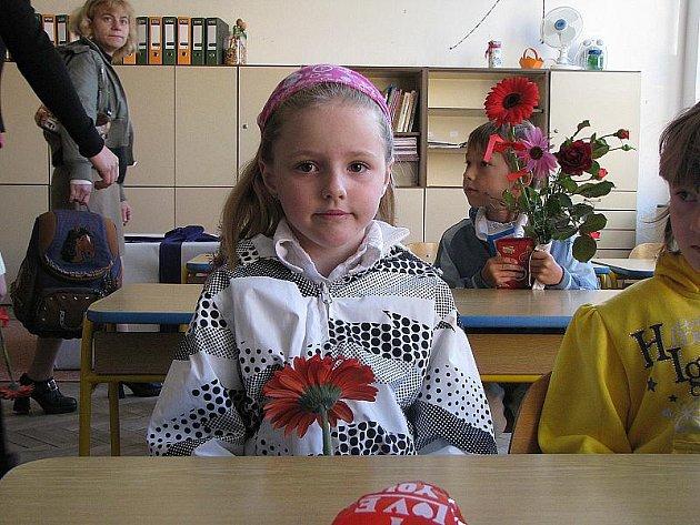 Do křinecké školy přišlo první den šestnáct nových školáčků.