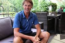 FRANTIŠEK STRAKA, legendární fotbalista Sparty Praha, si zahrál na desátém ročníku Golfi cupu v Poděbradech