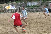 Z turnaje žáků v plážovém fotbale.