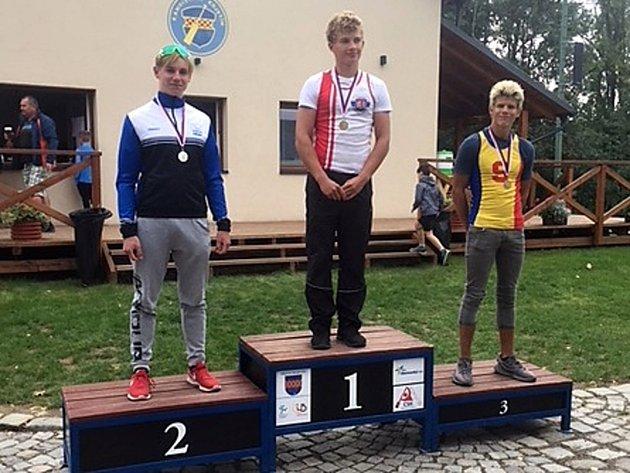 Tomáš Hradil (uprostřed) v Kojetíne vyhrál.