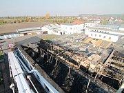 Požár výrobní haly v Lysé nad Labem.