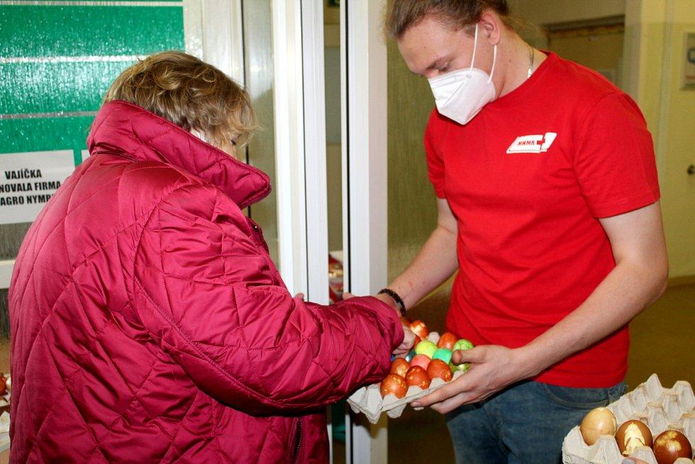 Očkovací centrum v královéměstecké nemocnici zve zájemce na očkování i o víkendech.