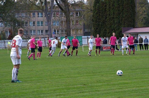 Z fotbalového utkání I.A třídy Bohemia Poděbrady - Slovan Lysá nad Labem (2:1)