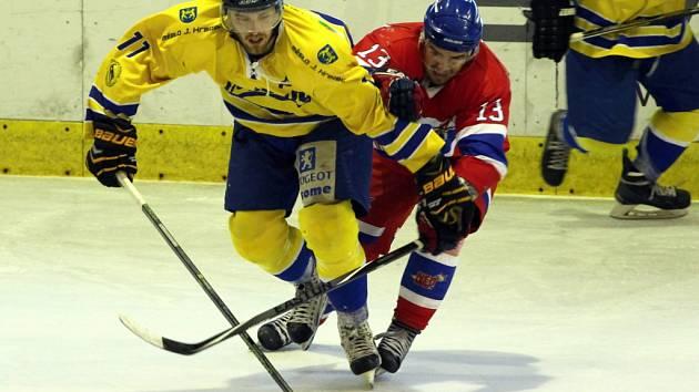 Z hokejového utkání druhé ligy Nymburk - Jindřichův Hradec (8:2)