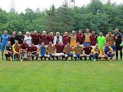SLAVILI. Fotbalisté Všejan si zahráli v rámci oslav založení Sokola se starou gardou pražské Sparty