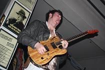 Krissy Matthews band v kavárně U Strejčka