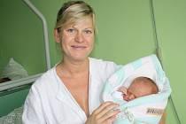 PATRIK MĚŘIL PŮL METRU. Patrik Borovička se narodil mamince Marcele a tátovi Jirkovi z Libice nad Cidlinou jako první miminko do rodiny 17. září 2013 . Měřil 50 cm a vážil 3 550 g.