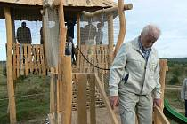 V neděli dopoledne slavnostně otevřeli vyhlídky u Milovic.