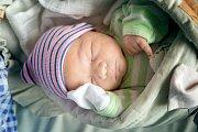 MATYÁŠ VESELÝ se narodil 5. ledna 2019 v 8.07 hodin s délkou 50 cm a váhou 3 820g. Rodiče Katka a Honza si svého očekávaného prvorozeného syna odvezli domů do Poděbrad.