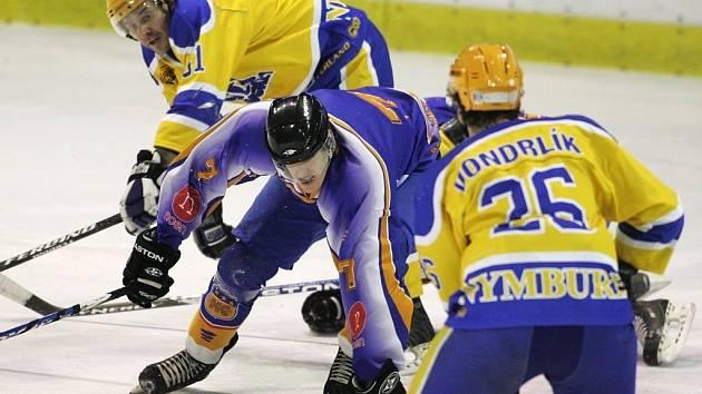 Z utkání druhé hokejové ligy Nymburk - Klášterec (2:3)