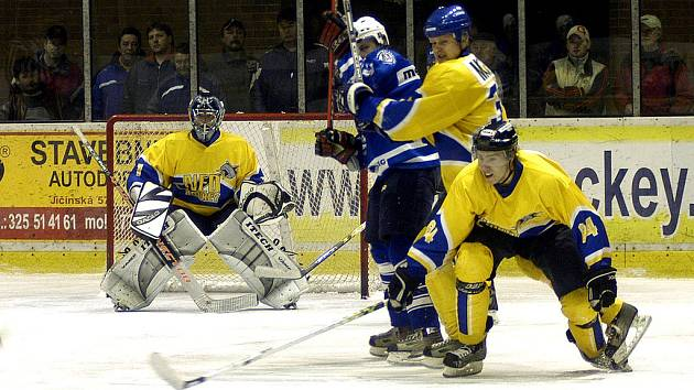 V prvním letošním měření sil vyhráli na svém ledě Kolínští. Oplatí Nymburk doma svému rivalovi porážku 3:5?