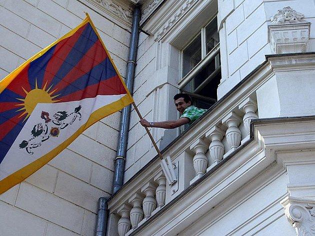 Nymburští gymnazisté vyjádřili svobodu Tibetu.