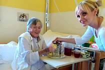 V nymburské nemocnici si pekli štrúdl i samotní pacienti.