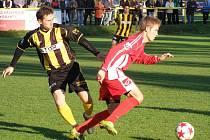 Z divizního fotbalového střetnutí Litol - Brozany (2:1)